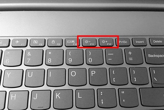 Cách giảm ánh sáng màn hình máy tính xách tay bằng phím tắt